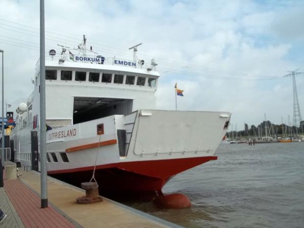 Außenhafen mit Borkum-Fähre