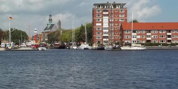 Der Hafen in Emden
