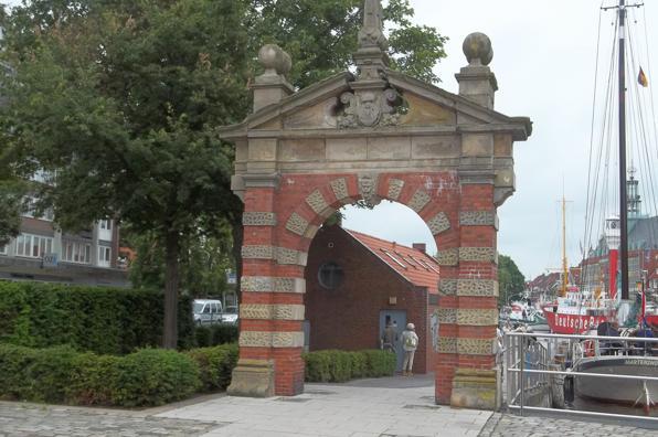Hafentor in der Stadt Emden