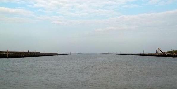 Hafen und Strand in Norddeich